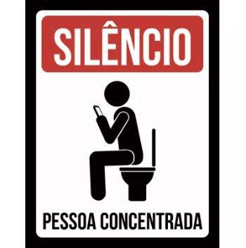 Placa Decorativa Silêncio: Pessoa Concentrada