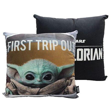 Almofada em Veludo 40cm Baby Yoda