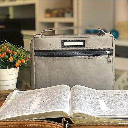 bolsa para bíblia camurça cinza- moda evangélica
