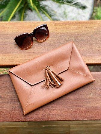 Clutch em couro Envelope
