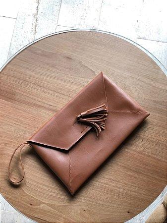 Clutch caramelo fashion