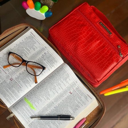 Bolsa para bíblia em couro vermelho croco