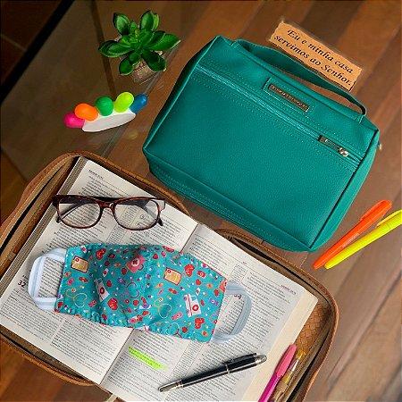 kit Bolsa para bíblia em couro verde esmeralda e máscaras de tecido dupla face