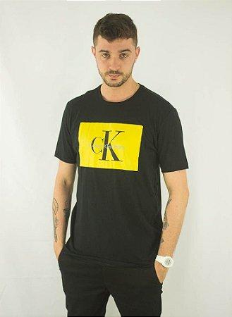 8b8dde3df3ecb camiseta,calvin, logo - Dom Store Multimarcas   Vestuário   Calçados ...
