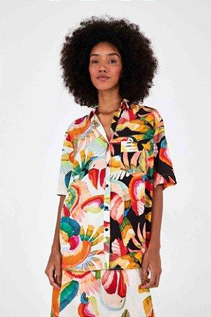 Camisa Farm Meio a Meio Dança dos Tucanos Unissex