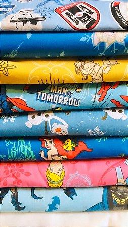 Pijama Cirúrgico - Gola V - Manga Japonesa - Blusa Estampada Personagens - Escolha o personagem - Cor da calça opcional