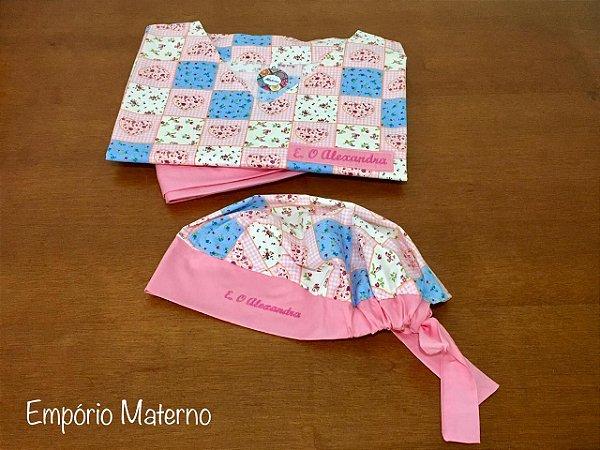 Pijama Cirúrgico - Gola V - Manga Japonesa Blusa Estampada Corações 03 - Cor da calça opcional  + TOUCA