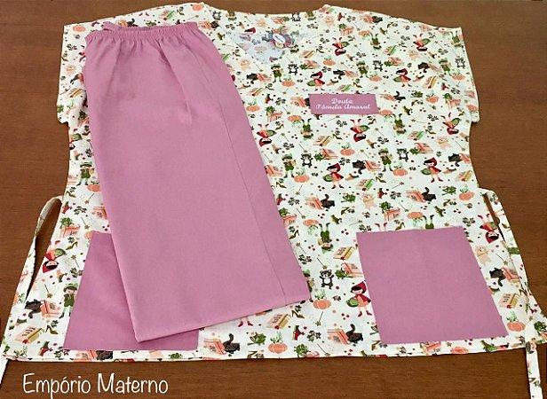 Pijama Cirúrgico - Gola V - Manga Japonesa Blusa estampada chapéuzinho 01 - Cor da calça opcional