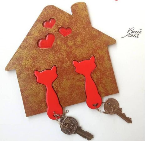 Porta chaves com chaveiros de gatinhos