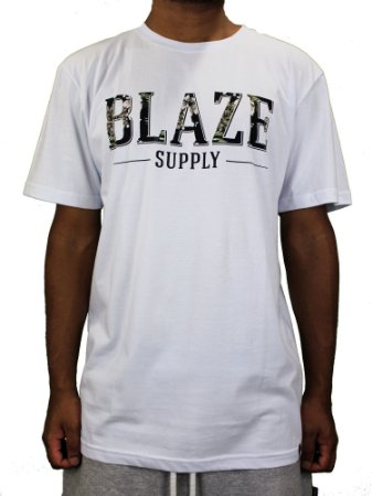 Camiseta Blaze Big Logo Flowers