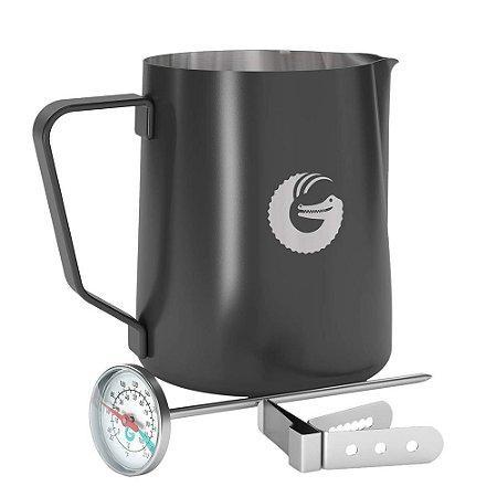 Jarra/Pitcher  para espuma de leite com Termômetro e Clipe - Coffe Gator