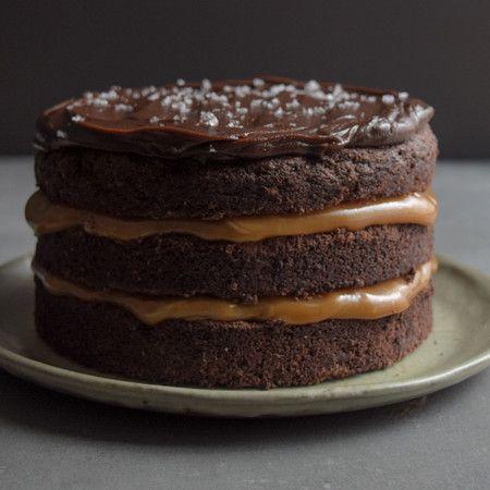 Bolo de Chocolate com Caramelo Salgado P (1kg)