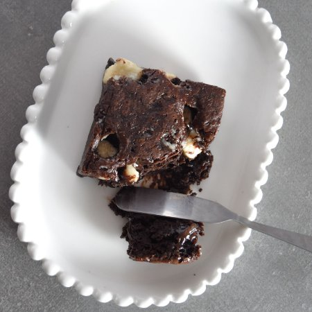 Brownie com Gotas de Chocolate Branco