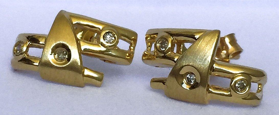Brincos Mandarim - Joia de Ouro 18 quilates com Diamantes