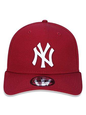Boné New Era 9Forty New York Yankees Bordo Snapback Aba Curva