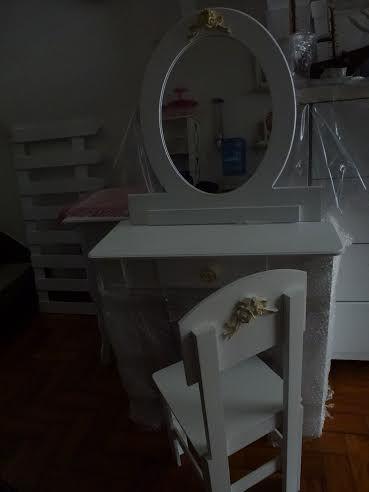 Penteadeira Infantil com Espelho e Cadeira