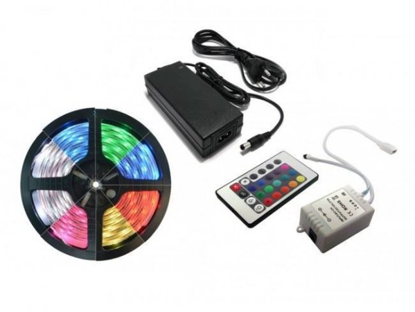 Fita de LED RGB SMD 5050 IP65 5 metros com controle e fonte