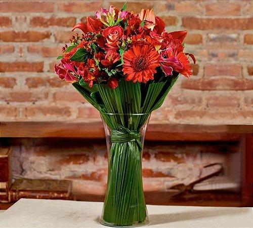 Buquê mix de flores vermelhas