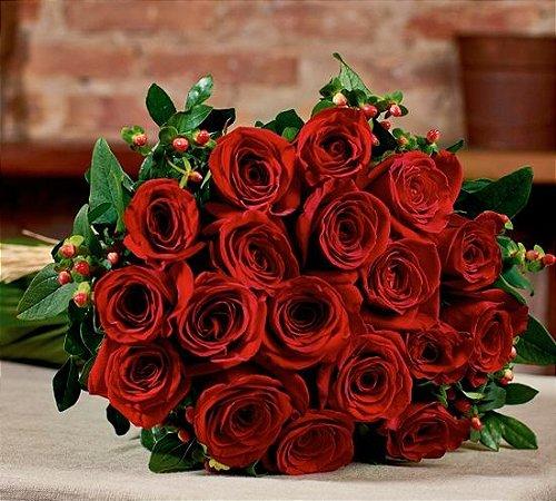 Buquê de rosas vermelhas colombianas