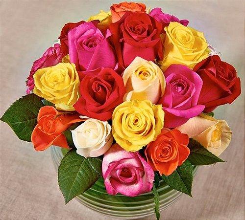 Arranjo de rosas coloridas nacionais