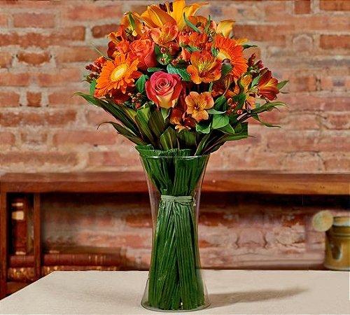 Buquê mix de flores laranjas