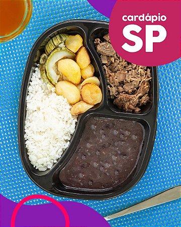 SP | AC - Iscas de filé mignon, arroz branco, feijão preto, batata e abobrinha