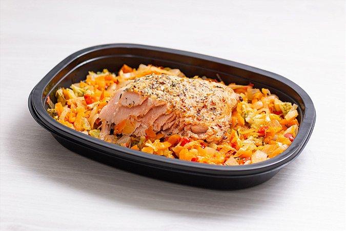 LowCarb - Salmão grelhado + cama de vegetais