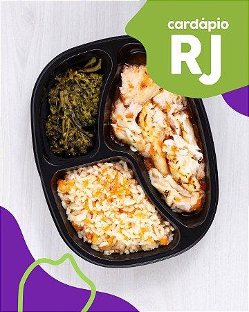 RJ   AC - Badejo assado, molho de tomate, arroz com cenoura e brócolis