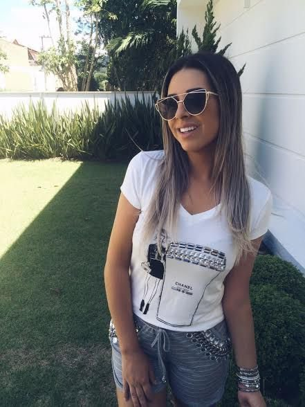 T-shirt Chanel Bordada | Off White