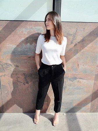 T-shirt Canelada Diva   Cores: Off White, Preto e Cinza Mescla