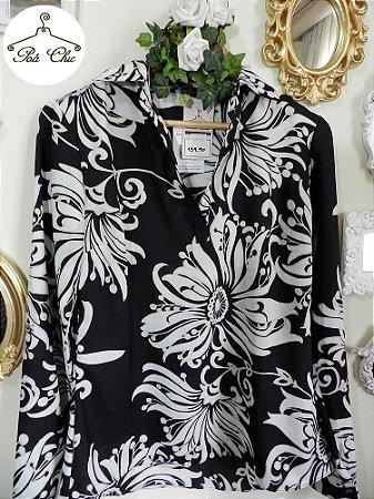 Camisa Estampa Floral Preto & Branco