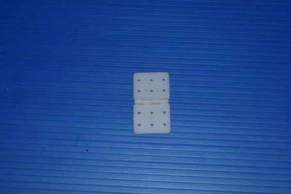 Dobradiça em nylon 37 x 20mm