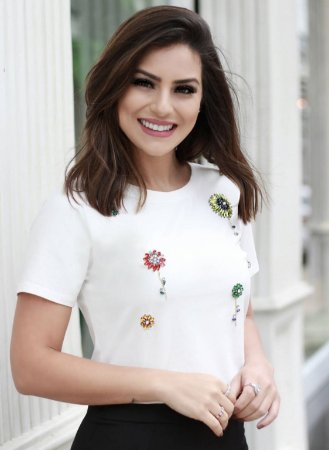 T-Shirt Pedrarias ( Cores: Preta e Branca)