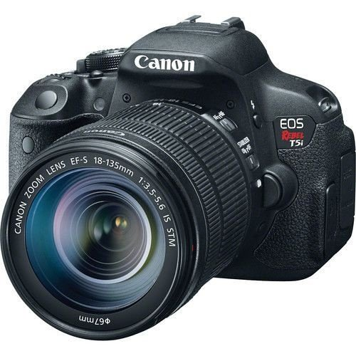 Câmera Canon EOS Rebel T5i Kit com Lente Canon EF-S 18-135mm f/3.5-5.6 IS STM