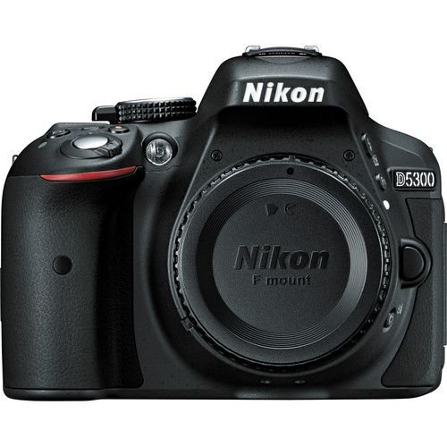 Câmera Nikon D5300 Kit Lente Nikon AF-S DX NIKKOR 18-200mm f/3.5-5.6G ED VR