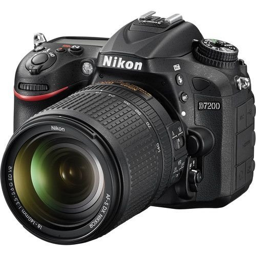 Câmera Nikon D7200 Kit com Lente Nikon AF-S 18-140mm f/3.5-5.6G VR