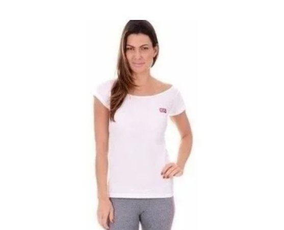 Camiseta T-shirt Branca (COM AVARIA)