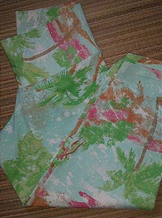 Calça Corsário Verde Flores (COM AVARIA)