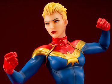 Capitã Marvel Marvel Universer Artfx+ Kotobukiya Original