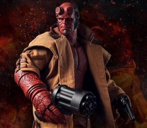 Hellboy Arttoys escala 1/6