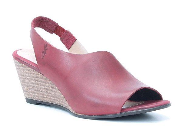 Sandália Feminina Salto Anabela em couro Wuell Casual Shoes - Lavras Novas  - VN 150400 - vermelha
