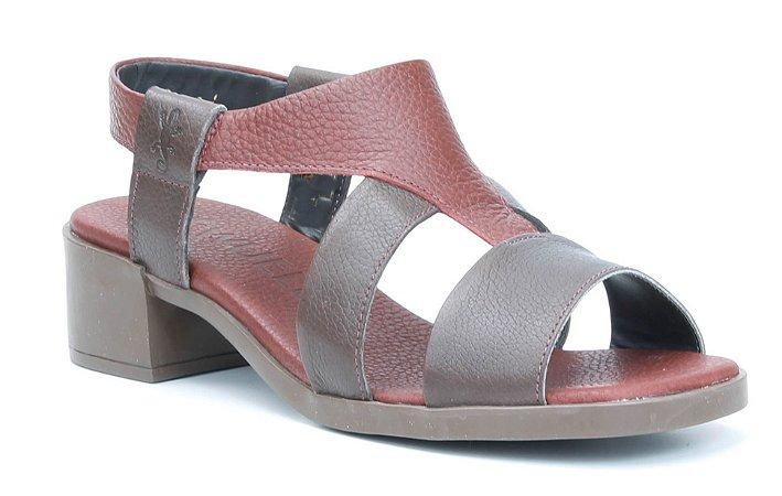 Sandália Feminina em couro salto médio Wuell Casual Shoes - Diamantina - ZM 0049 - bordô e marrom