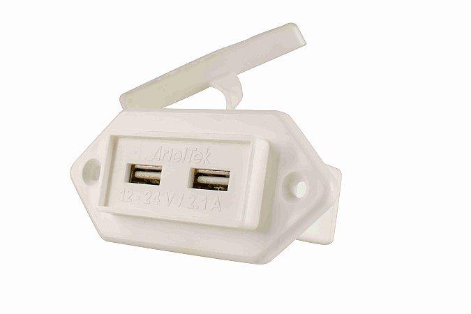Entrada USB Marinizada Dupla 12/24V Arieltek E1361