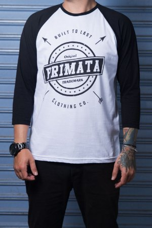 "Camiseta Raglan ""Built To Last""  Branco com Preto"