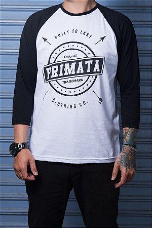 """Camiseta Raglan """"Built To Last""""  Branco com Preto"""