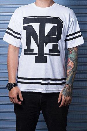 Camiseta com Listra Branca