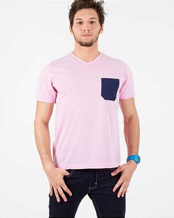 Camiseta Rosa com Bolso Azul