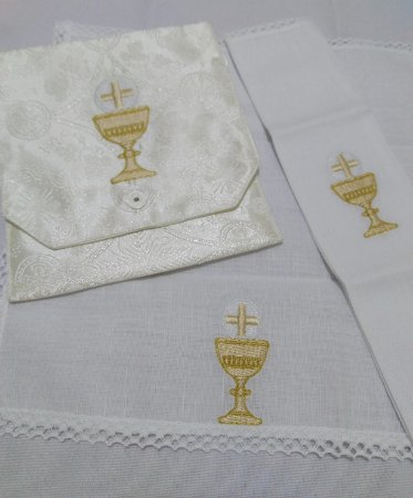 Kit Viático ou kit ministro para levar a Santa Eucaristia para enfermos - cálice - 3 PEÇAS - MF