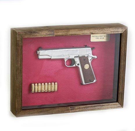 Quadro Retro Pistola Colt M1911 Calibre .45 AC Prata Fundo Vermelho