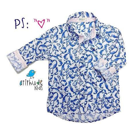 Camisa Leonel - Estampada Azul com detalhes em rosa claro